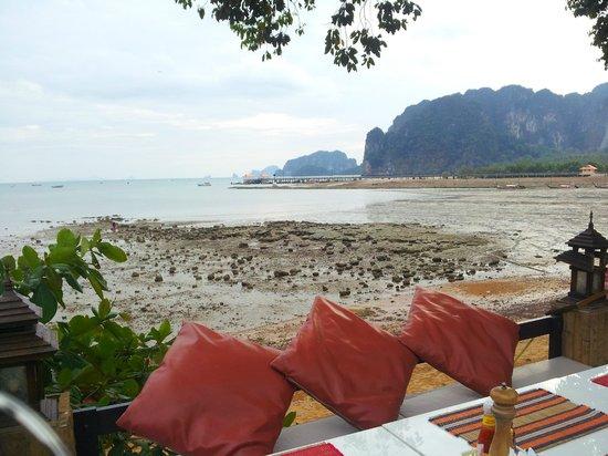 Krabi Tropical Beach Resort: Breakfast Area