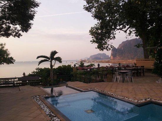 Krabi Tropical Beach Resort : Pool