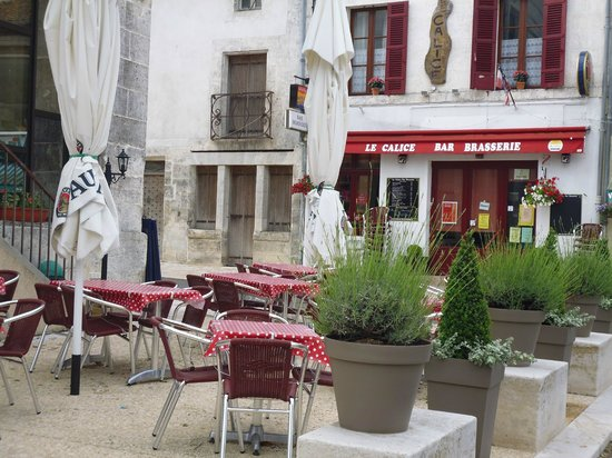 Le Calice Bar Brasserie: Terrace seating 60 people