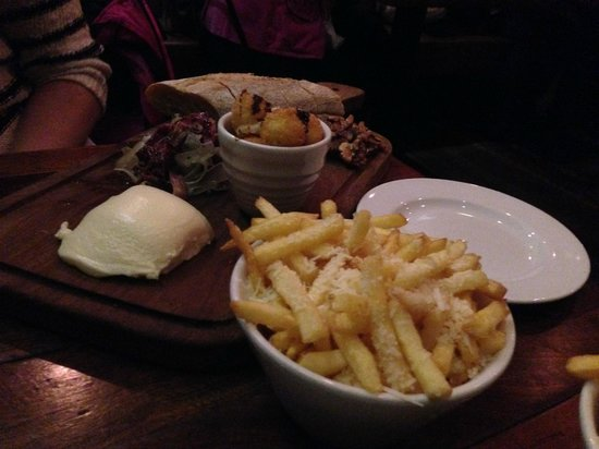 Coppi Restaurant : Parmesan Fries and The Cheese Sharing Board
