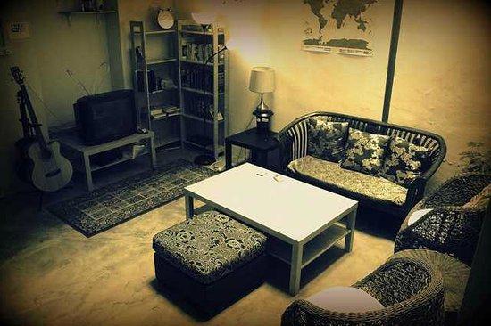 Troka Prewar Residence: Relaxing area