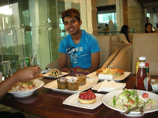 Jaipur Marriott Hotel : High tea