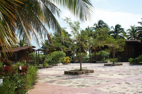 Gran Caribe Club Villa Cojimar: In the middle of guest cabins