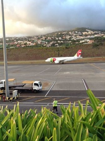 Madeira Regency Club : our aircraft arriving to take us back to Heathrow