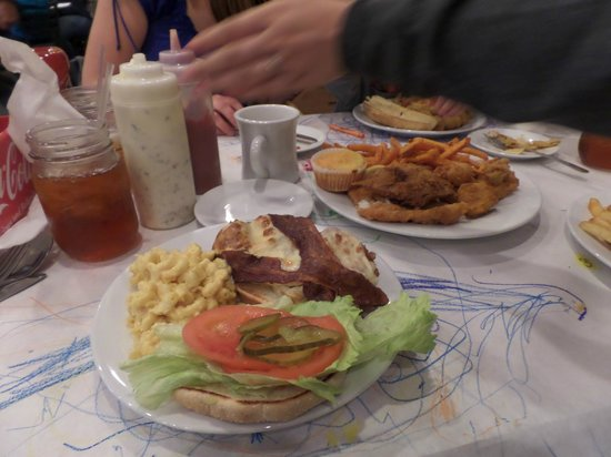 Harvest Moon Low Country Grill: Fried chicken sandwich! OMG