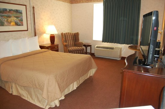 Quality Inn Geneseo: Accessible Single Queen