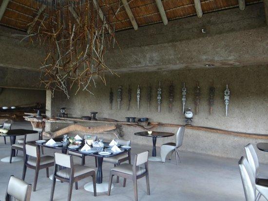 Sabi Sabi Earth Lodge: DECORACION DE LOS ESPACIOS COMUNES