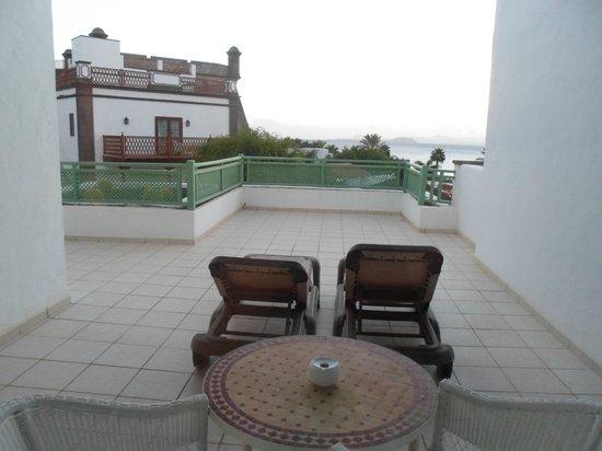 Gran Castillo Tagoro Family & Fun Playa Blanca: terraza habitación