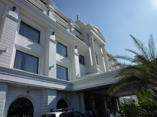 Fortune JP Palace: Front