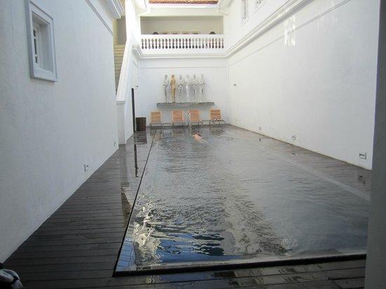 Paradise Road Tintagel Colombo: La piscine