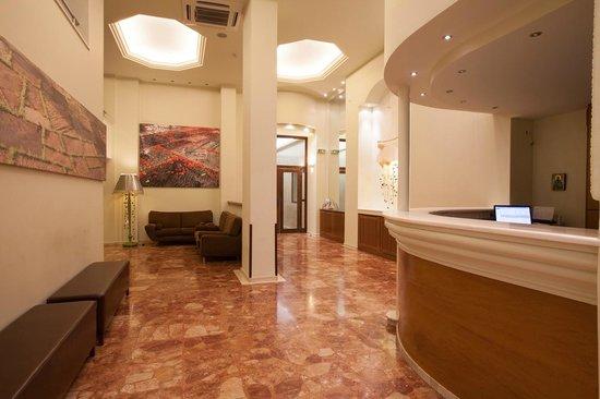 Marina Hotel Athens: Lobby