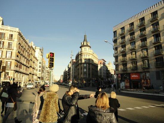 HLG CityPark Pelayo Hotel: O Hotel é toda a esquina