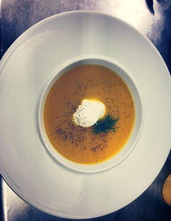 Prosopa : Σούπα γλυκιάς κολοκυθας με καρυ