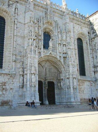 Monasterio de los Jerónimos: Центральный вход