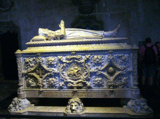 Monasterio de los Jerónimos: Саркофаг Вашко да Гама