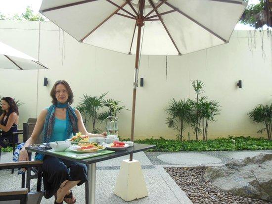 ibis Phuket Patong : завтрак
