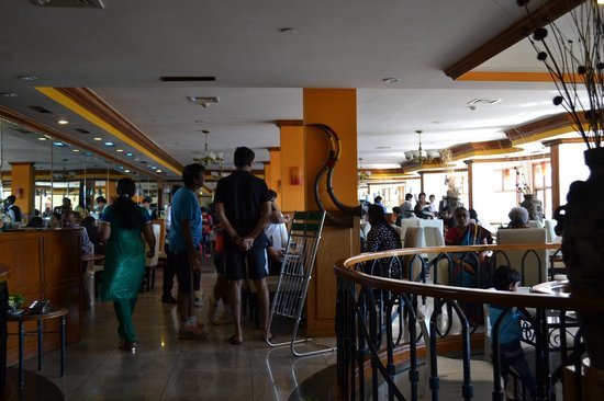 Gem Park-Ooty: Busy restaurant