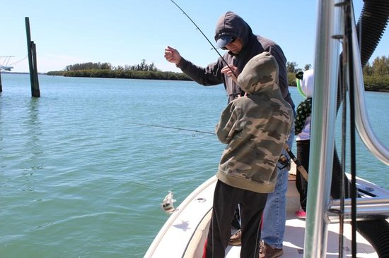 Max 39 s flounder picture of captain van hubbard fishing for Fishing in englewood florida