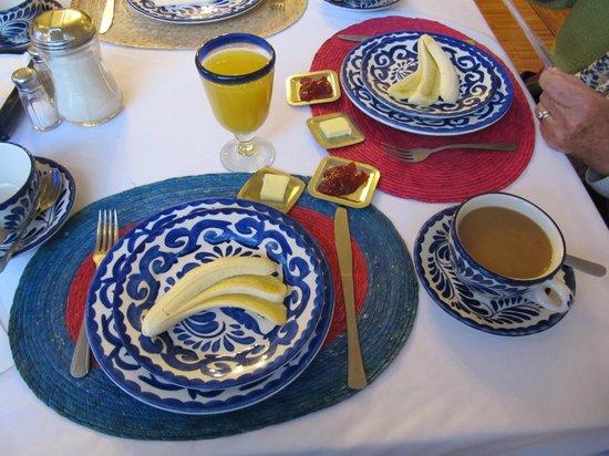 Hotel Casa Gonzalez: continental breakfast