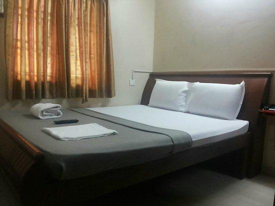 SR Ashwin Residency: Single room