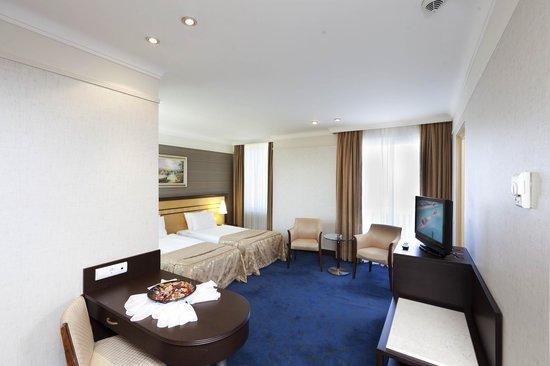 Porto bello hotel resort spa antalya turkey all for Bello salon