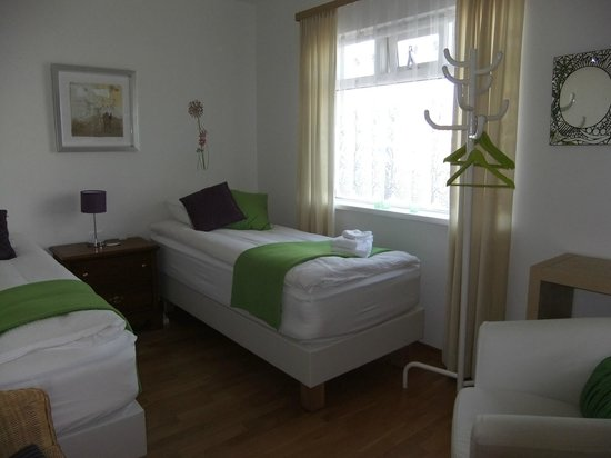 Akra Guesthouse: room