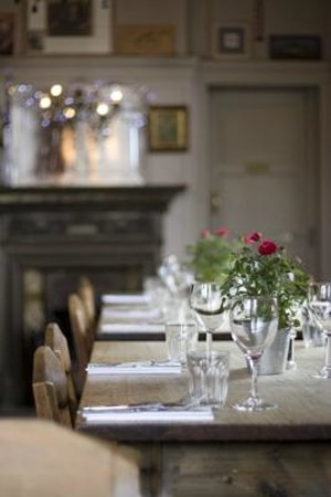 The Brown Dog: Long Tbale Dining Room