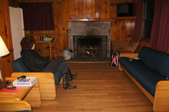 Cacapon Resort State Park: Living area with fireplace