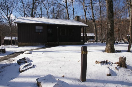 Cacapon Resort State Park: Cabin 13