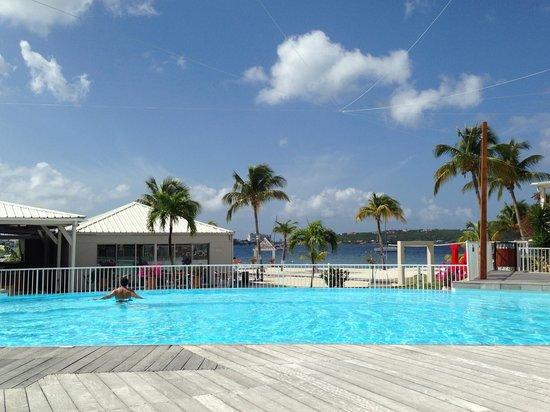 Hôtel Mercure Saint-Martin Marina & Spa : Hotel pool