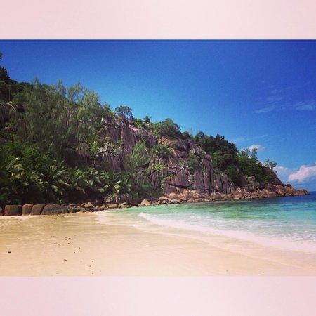 Four Seasons Resort Seychelles : Пляж