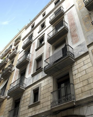 Whotells Raval: Edificio