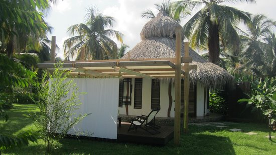 Merecumbe Hotel: eco hut met patio