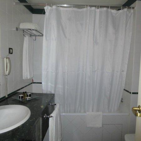 Tivoli Oriente Hotel : Bathroom