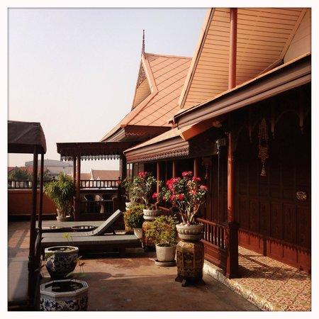 Lamphu Tree House: Dachterrasse vor den Suiten