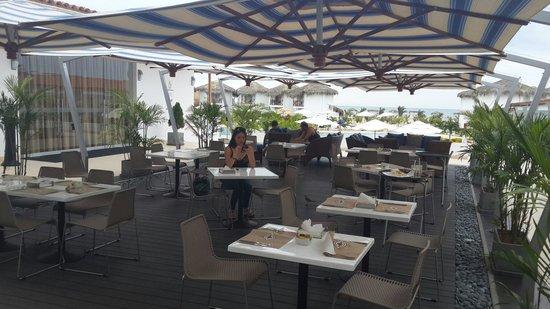 Casa Andina Select Zorritos Tumbes: comedor de afuera