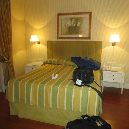 Hotel Atlantico: Bed