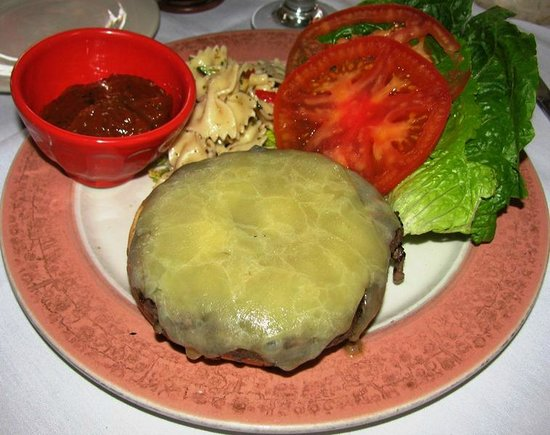 Catherine's Restaurant: Cheeseburger
