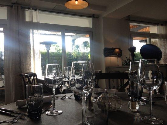 Restaurant Pourquoi Pas?: Terrasse exposée plein sud