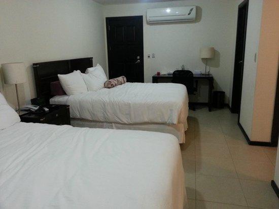 Hotel Contempo: Room 18