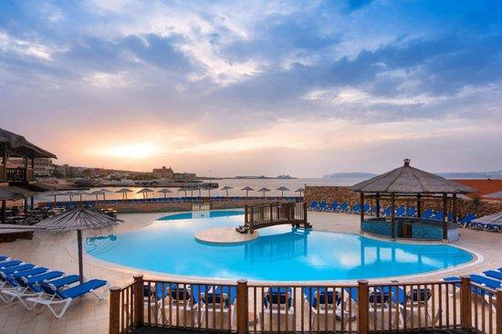 Ramla Bay Resort: Main Pool