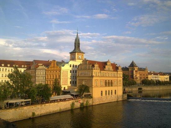 Hotel 16: вид Праги