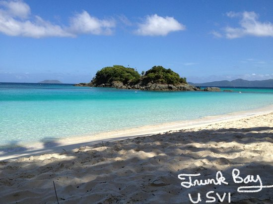 Gallows Point Resort : Trunk Bay (only 15 minutes away)