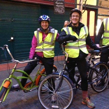BrakeAway Bike Tours : Happy Cyclists