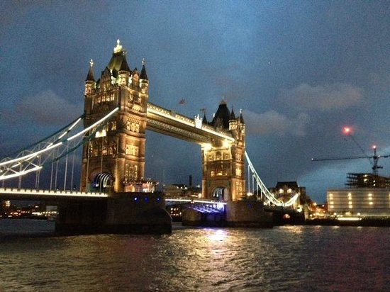 BrakeAway Bike Tours : Tower Bridge - and we rode over later!