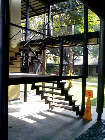 U Inchantree Kanchanaburi: Stairway