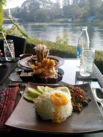 U Inchantree Kanchanaburi: Great Food
