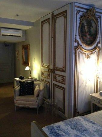 Auberge Place D'Armes : vue de la suite