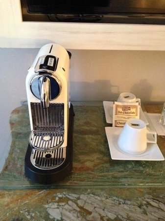 Auberge Place D'Armes : machine a café