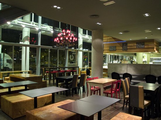 Interior Genis Café